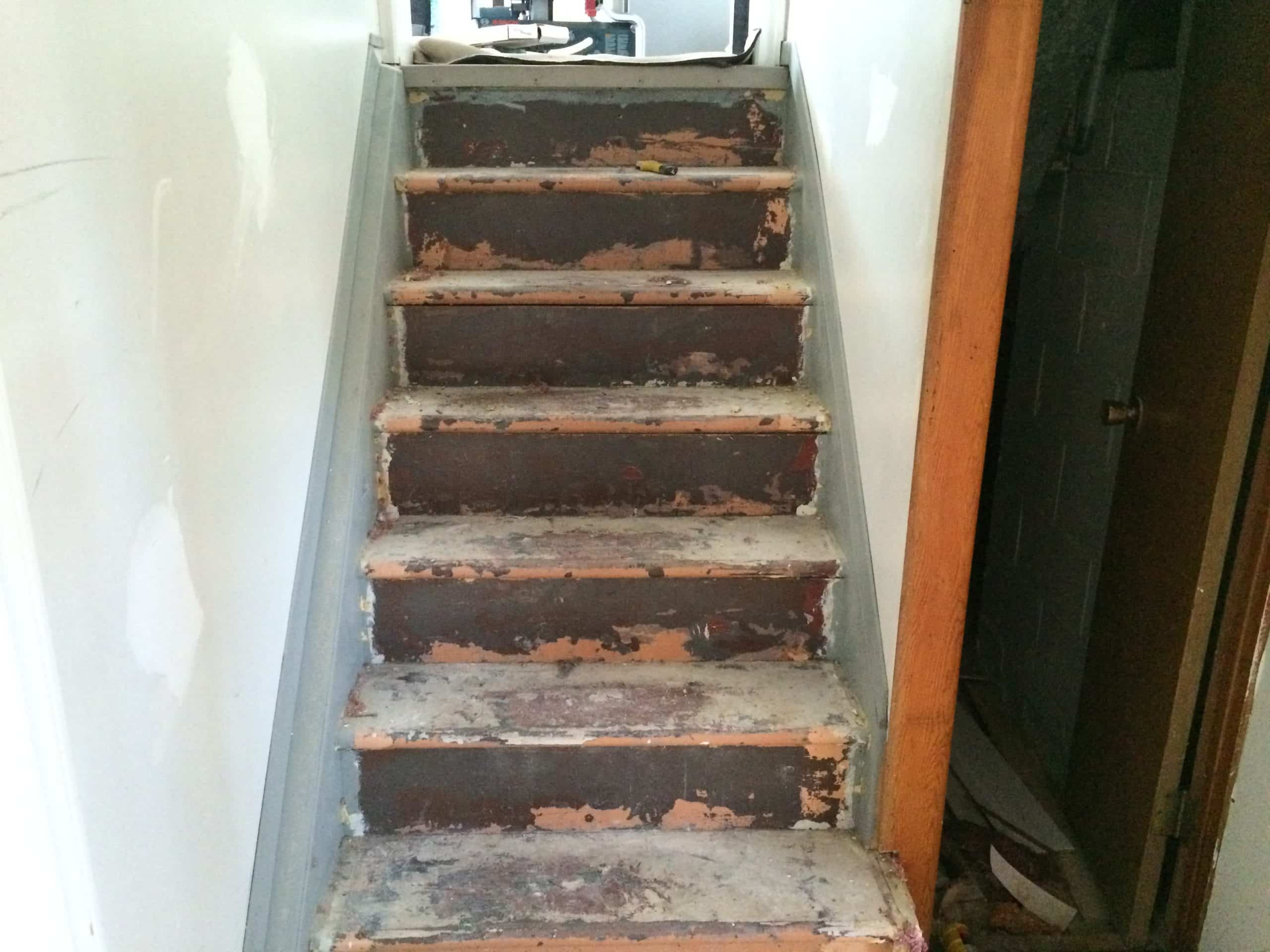 Getting ready staircase refinishing